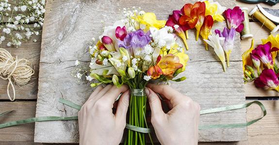 Gėlės dėžutėje, gėlių puokštės ir kiti pasirinkimai