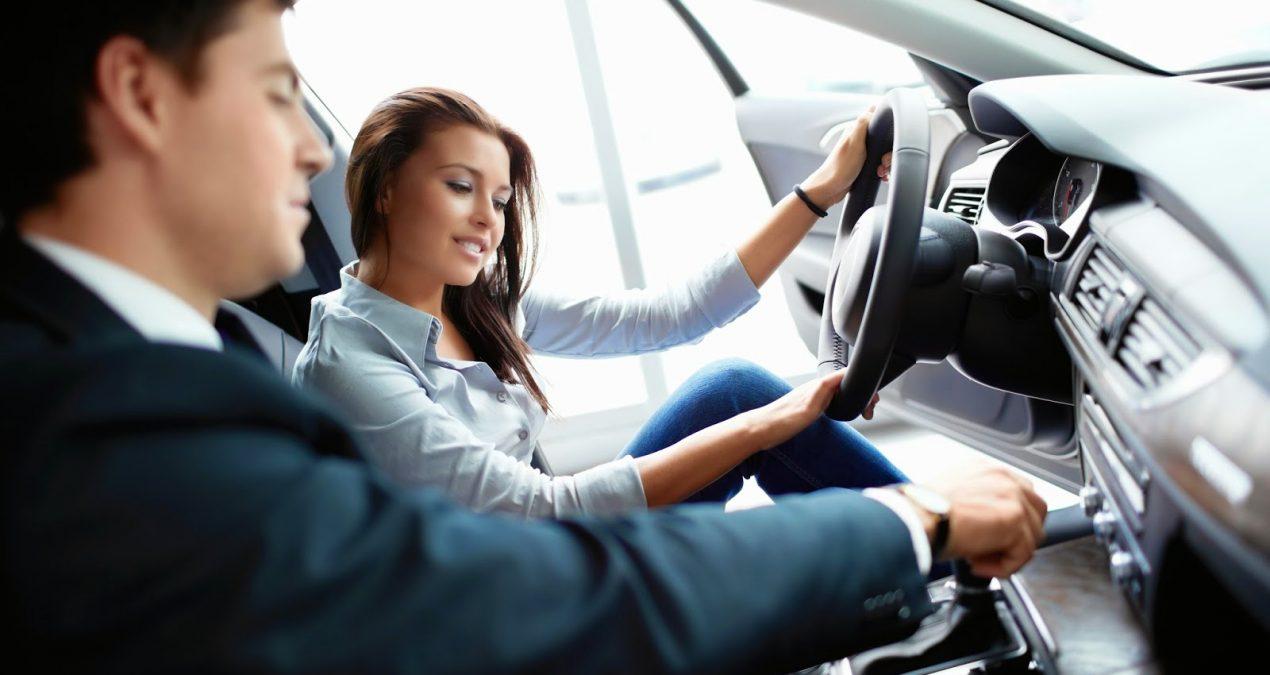 Tinkamos vairavimo mokyklos paieškos internetu